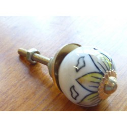 Mini knobs flower yellow line black