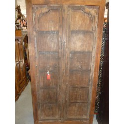 Two closet doors Ark