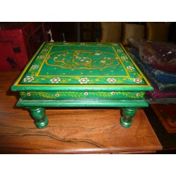 Table with cushion bazot 30x30cm green