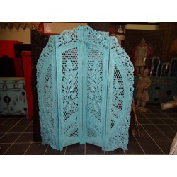 Screen sanded round turquoise elephant.