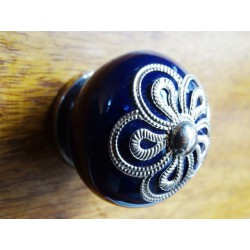 Metal handle flower ultramarine porcelain