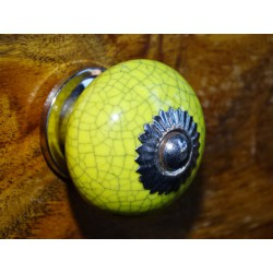 Handle yellow round cracked effect