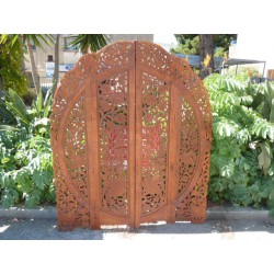 wooden partition with clear skated peacocks