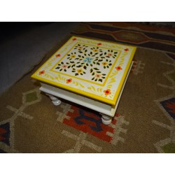 Table with cushion bazot 30x30cm white