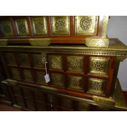 Chest in rosewood decorated with stamped brass plates - large model