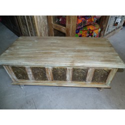 Mango blanket chest with five turquoise patinated Buddha
