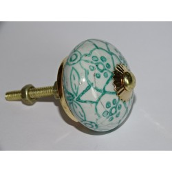 Drawer knobs with green arabesque