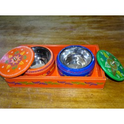 Painted tray for the aperitif with two wooden and metal bowls - 5