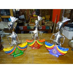 Set of 3 Indian musicians in metal and wood painted by hand