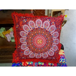 Cushion covers 40x40 cm in red color and red fringes