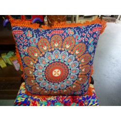 Cushion covers 40x40 cm in orange color and orange fringes