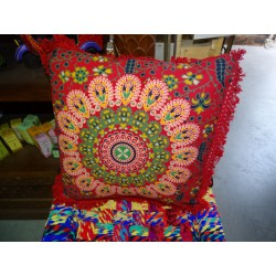 Cushion covers 40x40 cm in green color and red fringes