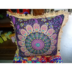 Cushion covers 40x40 cm in purple color and beige fringes