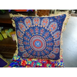 Cushion covers 40x40 cm in blue color and beige fringes
