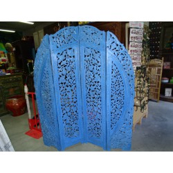 Round flower screen with dark turquoise patina and sanded