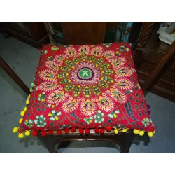 Red cotton chair cushion with pompoms 37x37 cm