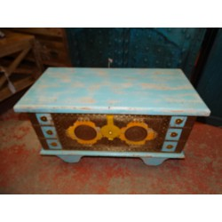 Turquoise and yellow chest of drawers in mango wood decorated with brass