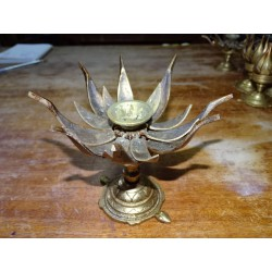 Large bronze lotus flower with golden patina - 15 cm