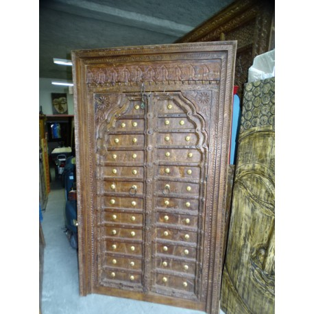 Old cupboard doors in the shape of an arch and lintel 123x209 cm