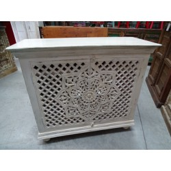 Small carved buffet 2 moucharabieh patinated white doors 100x90 cm