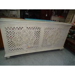 Sideboard 4 carved moucharabieh patinated white 180x90 cm