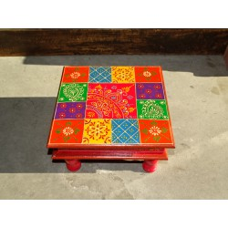 Bazot cushion table 30x30X16 cm with checkerboard and kashmeer pattern