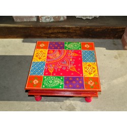 Bazot cushion table 38x38X16 cm with checkerboard and kashmeer pattern