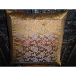 Cover large flower gold brocade 40x40 cm