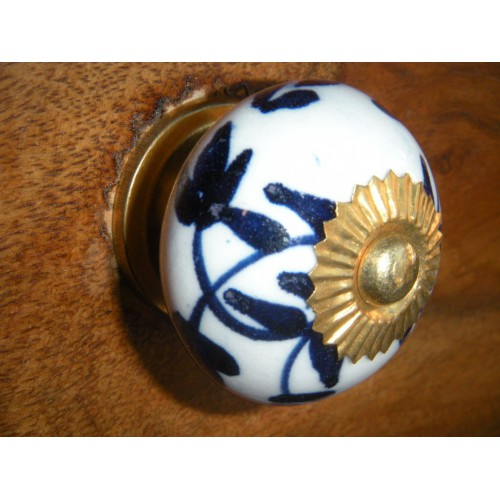 China buttons crown flowers overseas / white